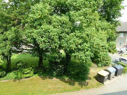 Wohnen im Grünen! Toll aufgeteilte Wohnung mit Sonnenbalkon und Garage zu verkaufen!