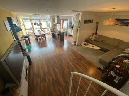 Helle 3ZKB Maisonette-Wohnung mit moderner Einbauküche und Balkon (von privat)
