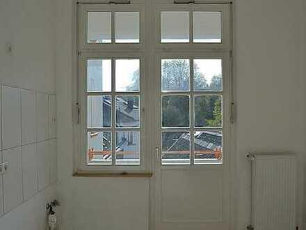 Wunderschöne großzügige Altbauwohnung auf 109,98 m² mit Balkon zu vermieten!!