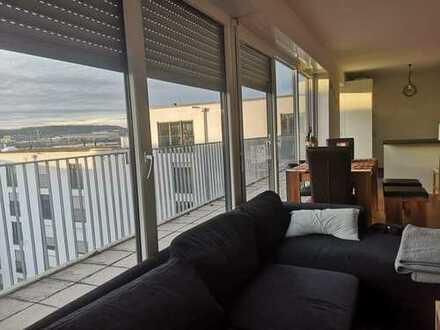 Großes WG Zimmer 21m² in einer Penthouse Wohnung am Flugfeld