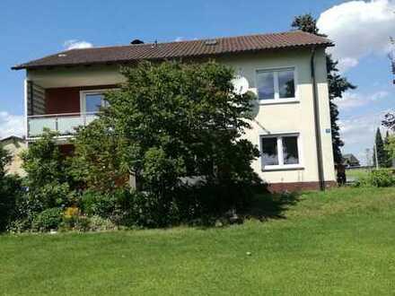 Freistehendes Haus, geeignet als Bürohaus, Praxis oder Wohnhaus, zentral im Landkreis Tirschenreuth