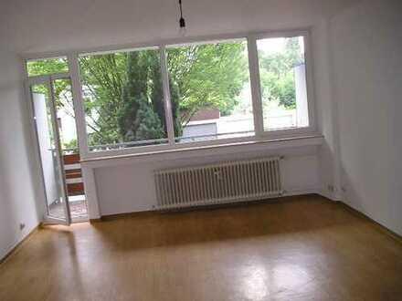 Ab Mai: Ein-Zimmer-Wohnung in Beuel, ruhig, Balkon