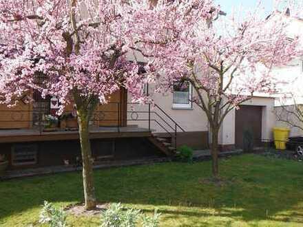 Zentral und dennoch ruhig gelegene Doppelhaushälfte in Remshalden-Hebsack