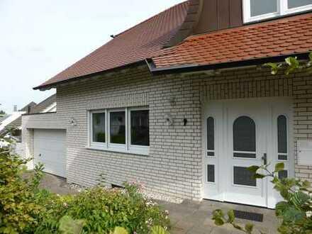Muffendorf: Moderne Niedrigenergie-Doppelhaushälfte mit atemberaubenden Blick auf das Siebengebirge