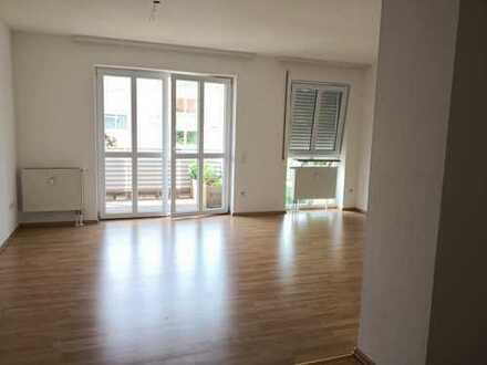 850 €, 84 m², 2 Zimmer
