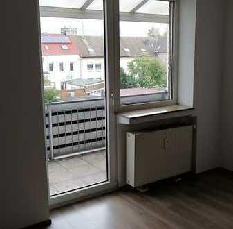Geräumige 2 Zimmer Wohnung mit Balkon Paßstr. 3 im Herzen von Homberg