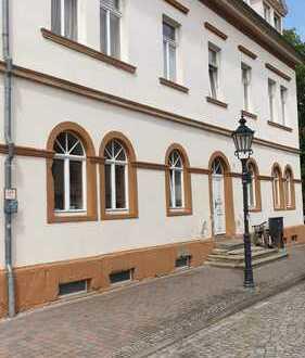 Preiswerte, neuwertige 3-Zimmer-DG-Wohnung zur Miete in Pegau