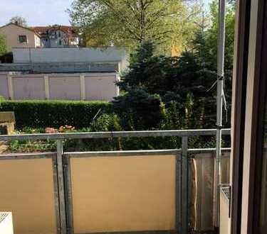Helle 2-Zimmer Wohnung mit Südbalkon in Pforzheim auf dem Buckenberg