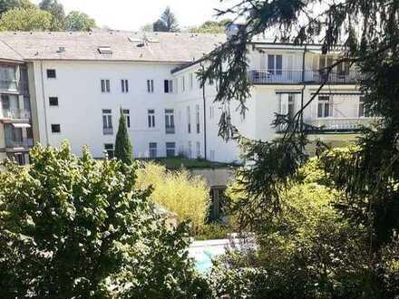 Am Kurpark - großzügige ruhige 4-Zimmer Wohnung mit Balkon, TG - von privat -