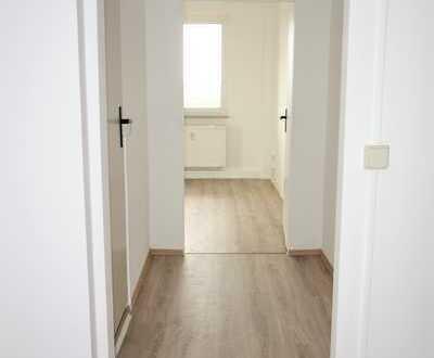 ** Ab August mit Aufzug ** Renovierte 1 Raum Wohnung **