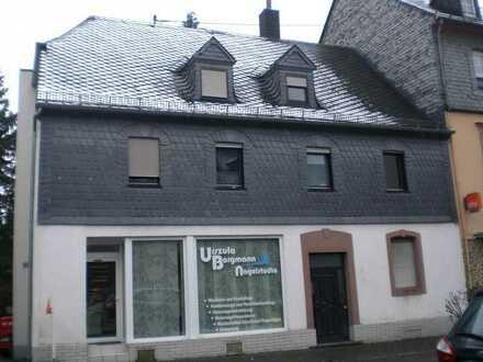 *gemütliche 1 ZKB Dachgeschosswohnung in Birkenfeld Stadtmitte*