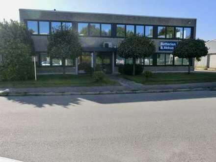 Lagerhalle mit Labor und repräsentativen Büroräumen in HH-Poppenbüttel