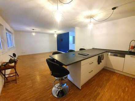 Neuwertige 3 ZKB Wohnung mit vielen Extras