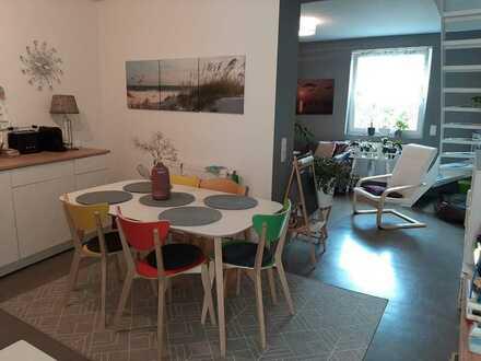 Modernisierte Maisonette-Wohnung mit drei Zimmern in Göllheim