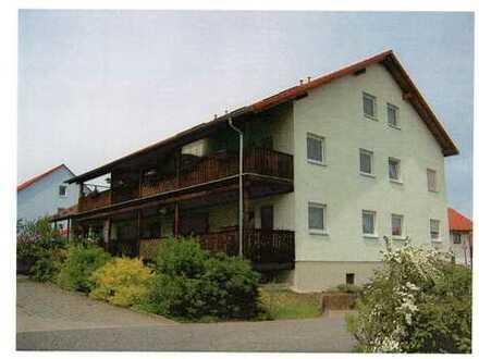 Preiswerte 2-Zimmer-Wohnung mit Balkon in Waldenburg Sachs