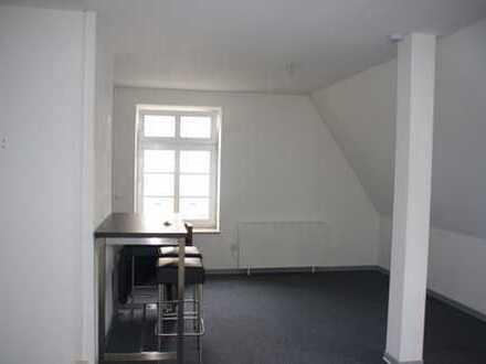 gemütliche und zentrale Single-DG-Wohnung in bester Lage
