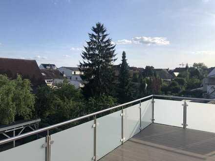 Schöne Penthouse-Wohnung über den Dächer von Hockenheim