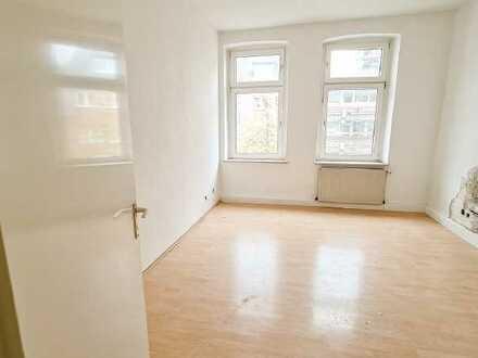 Kernsaierte 4-Zimmer Wohnung in Mitten von Frohnhausen