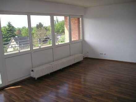 Gut geschnittene 4-Zimmerwohnung mit Aussicht und Aufzug