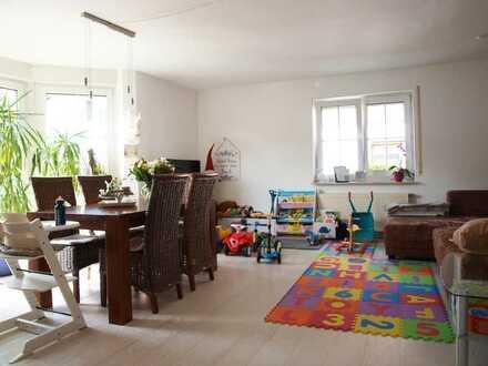 Wohnen in Bestlage inkl. Garten! Helle EG Wohnung mit EBK, Garten,TLBad, GästeWC, Keller u. Stellpl.