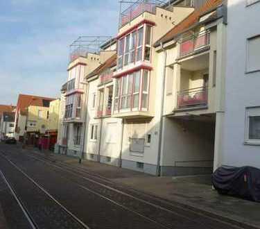 Stilvolle 3-Zimmer-Wohnung mit Balkon und Einbauküche in (Friesenheim-Nord) Ludwigshafen am Rhein