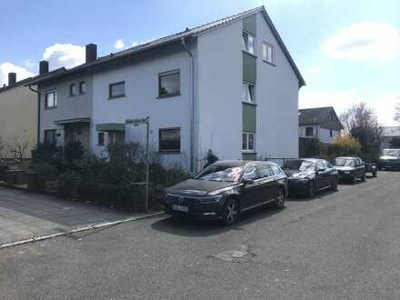 Lichtdurchflutete, geräumige Doppelhaushälfte in schönster Wohnlage von Heilbronn Böckingen