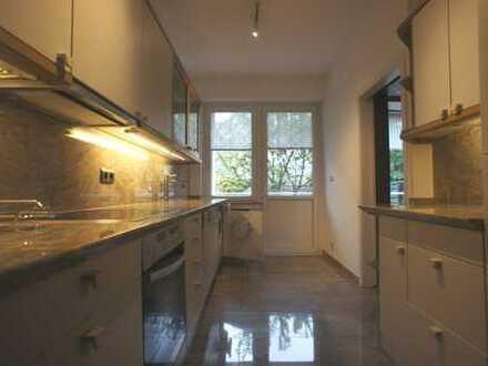 Frisch renovierte 4-Zimmerwohnung in Düsseldorf zu vermieten!
