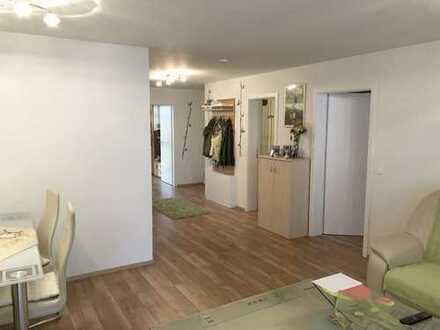 Neuwertige 3,5 Zimmer Wohnung in bester Lage von Rutesheim