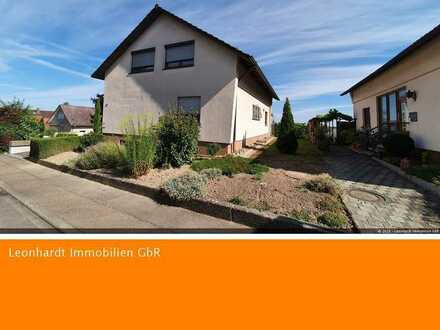 Haus mit gr. Grundstück in Top Lage mit Traumblick zu den Vogesen und über die Stadt