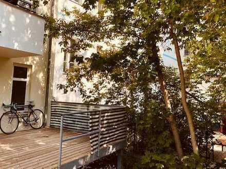 Schöne, geräumige 1-Zimmer Wohnung mit Terrasse in Berlin (Adlershof)