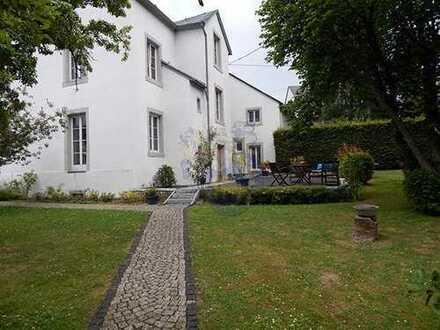 RUWER-LORSCHEID: Herrenhaus (300 m²) in LUXUS Ausstattung mit Galerie & Gartenanlage