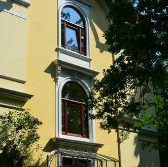 Villa im Park: 4-Zimmer-Wohnung in Bremen Alt-Borgfeld (Wümmelage)
