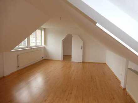 Neusanierte DG 4-Raum in Lichtenstein