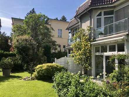 Exclusives Berlin-Westend: Das Haus-im-Haus in ruhiger Villen-Toplage! Moderne Bestausstattung!