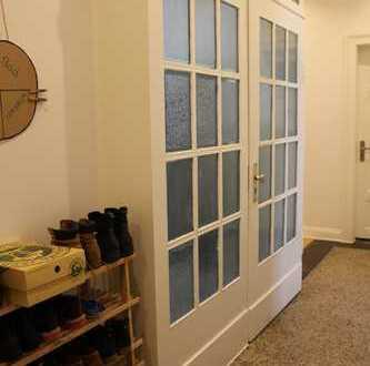 Zwei schöne Zimmer (insgesamt 30 qm) in einer WG