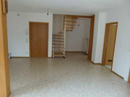 Preiswerte, gepflegte 3-Zimmer-DG-Wohnung mit Einbauküche in Schmalkalden