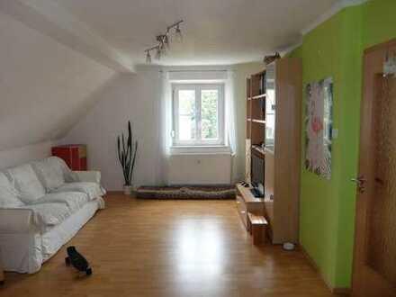 15_EI6386 Sanierte, helle 2-Zimmer-Dachgeschoss-Eigentumswohnung / Regensburg - Nord
