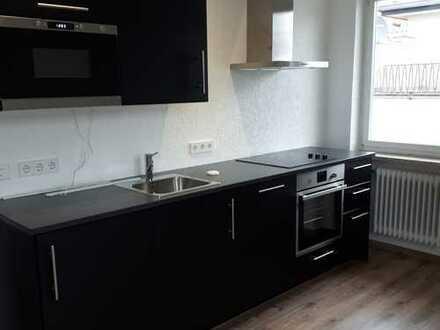 Erstbezug nach Sanierung mit Einbauküche: attraktive 1-Zimmer-Wohnung in Coburg