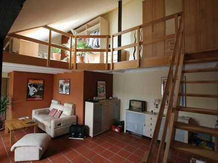 offene, helle DG-Maisonette-Wohnung auf zwei Ebenen