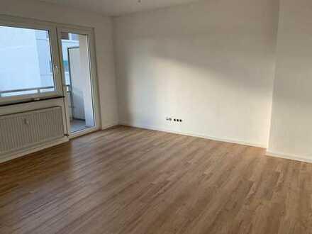 *Top sanierte 2-Zimmerwohnung mit Balkon*