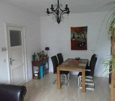 Vollmöbelierte, 3-Zimmer-Wohnung mit Balkon und EBK in Barmbek-Nord, Hamburg (01.11.19-30.04.20)