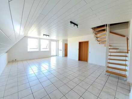 IK | Hütschenhausen: moderne 4 Zimmer Wohnung mit Balkon und Stellplatz