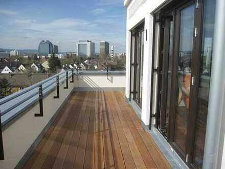 Luxus pur für hohe Ansprüche! 4-Zimmer-Penthouse-Wohnung mit Skyline- und Taunusblick.