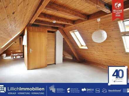 Gemütliche Dachgeschosswohnung mit offenen Holzbalken in direkter Citylage!
