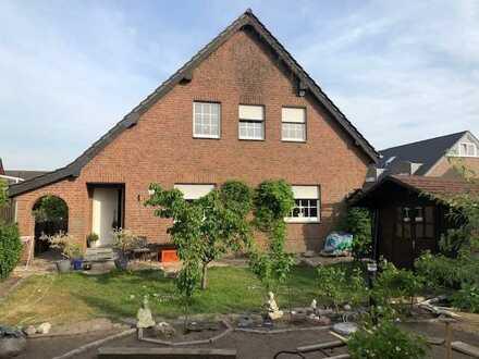 Haus in direkter Stadtnähe mit pflegeleichtem Garten...