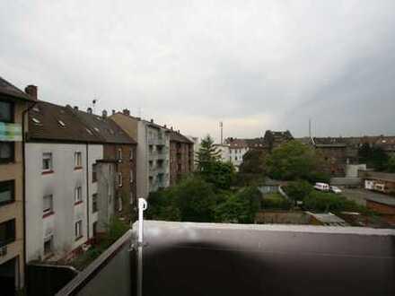 Nachmieter gesucht - große 1 Zimmer Wohnung mit Südbalkon in Mannheim-Rheinau