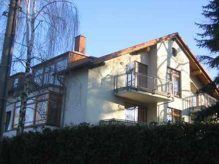 Sonniges Dachgeschoß mit 3 Balkonen in Rahndorf