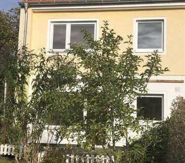 Haus mit 3 1/2 Zimmern in Berlin, Lankwitz (Steglitz) in ruhiger Lage