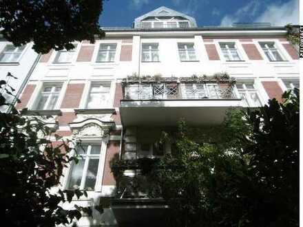 Vermietete sonnige 1-Zimmer-Dachgeschosswohnung mit Südterrasse in Friedenau