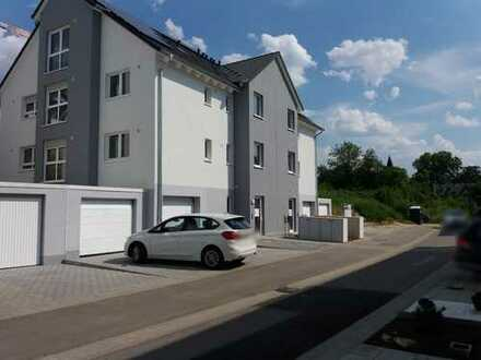 WOHNEN + ARBEITEN in den eigenen 4 Wänden - moderne 3 1/2-Zi. ETW im EG + 2-Zi. im UG = 143 m²